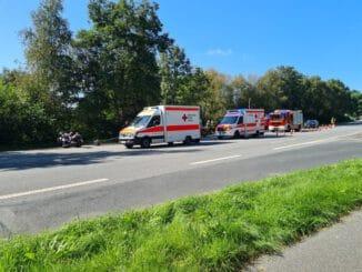 FFW Schiffdorf: Motorräder stoßen bei Abbiegemanöver zusammen