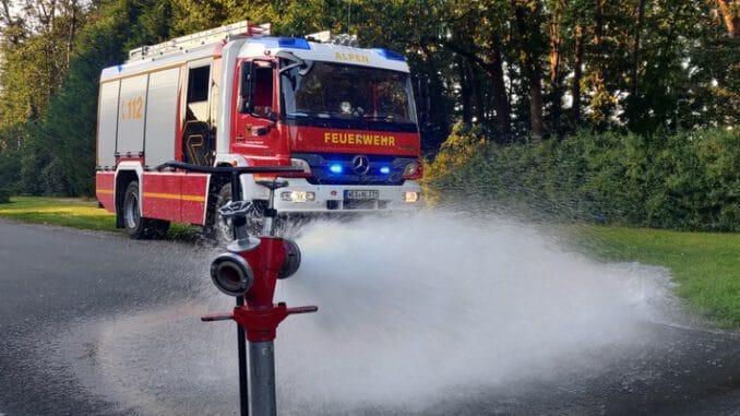 FW Alpen: Hydrantenkontrolle im Gemeindegebiet
