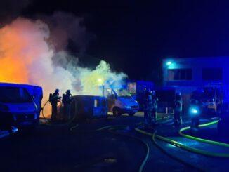 FW Bremerhaven: Feuer Auf dem Reuterhamm