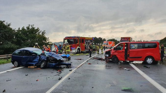 FW Bremerhaven: Verkehrsunfall Grimsbystraße