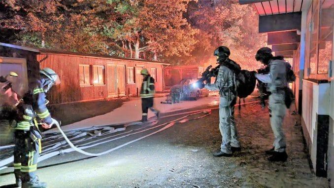 FW Celle: Rund 200 Einsatzkräfte der Polizei, der Feuerwehr und des Rettungsdienstes üben Terrorlage in Westercelle