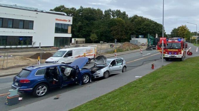 FW-DT: Verkehrsunfall - Frontalzusammenstoß