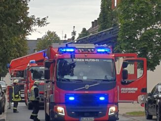 FW Düren: Küchenbrand und verrauchter Treppenraum im Dürener Stadtteil Grüngürtel