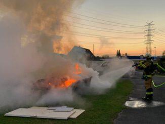 FW-EN: Baucontainer brannte in voller Ausdehnung