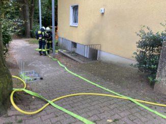 FW-EN: Gemeldeter Kellerbrand mit mehrfacher Menschenrettung und drei Paralleleinsätze für die Hattinger Feuerwehr