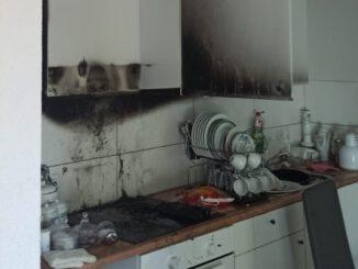 FW-EN: Mehrere Einsätze über das Wochenende - Küchbrand im Waldweg