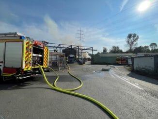 FW-GE: Feuer auf Freigelände eines Rohstoffhandels in Gelsenkirchen-Ückendorf