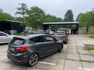 FW-GL: Die Feuerwehr Bergisch Gladbach bietet Impf-Drive-In in der Stadt Overath für Jedermann an