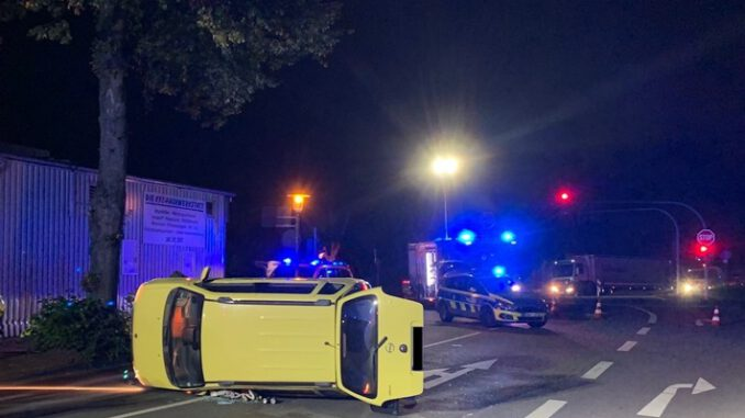 FW-GLA: Verkehrsunfall- Zwei Leichtverletzte