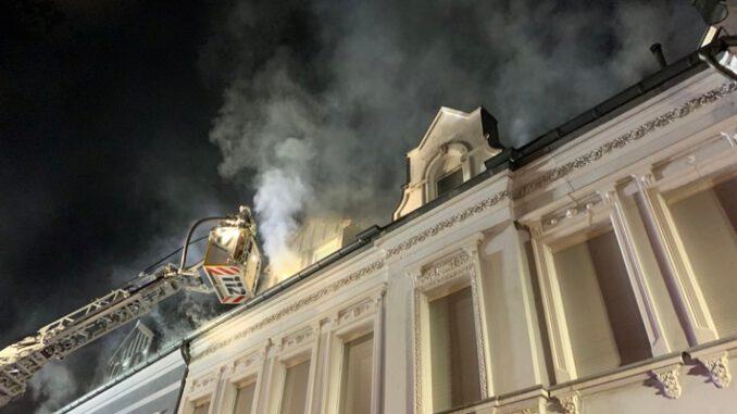 FW-GLA: Wohnungsbrand mit erfolgreicher Menschenrettung