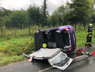 FW Horn-Bad Meinberg: Erneuter Verkehrsunfall mit eingeklemmter Person - 1 Person aus PKW befreit
