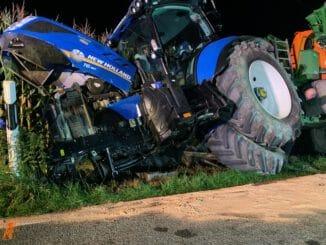 FW-KLE: Pkw kollidiert mit Traktor