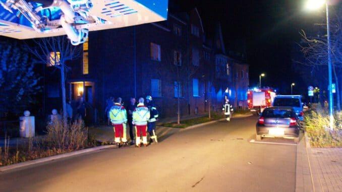 FW-KLE: Wohnungsbrand in Mehrfamilienhaus schnell gelöscht