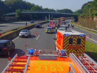 FW-MH: Verkehrsunfall auf der BAB 40 - eine verletzte Person