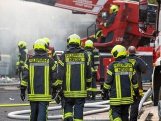FW-NE: 140 Jahre Neusser Feuerwehr