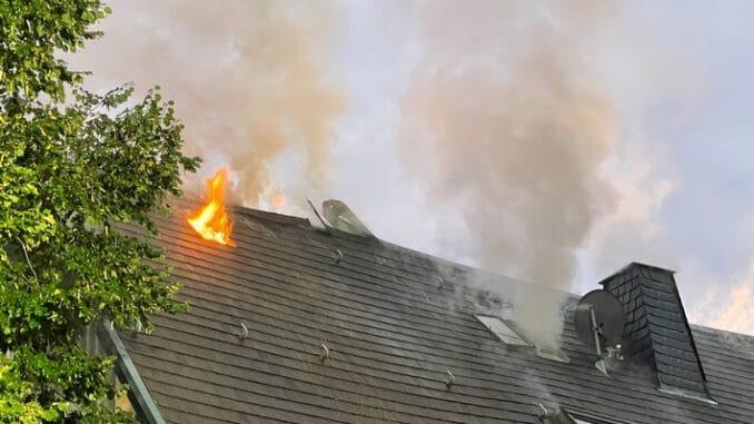 FW-OE: Gebäudebrand in Attendorn-Niederhelden