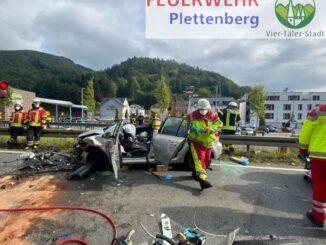 FW-PL: Schwerer Verkehrsunfall vor Hestenbergtunnel - Vier Verletzte bei Kollision