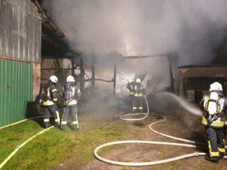 FW-RD: Scheunenbrand in Hohn-Garlbek (Kreis Rendsburg-Eckernförde)