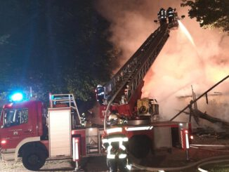 FW-ROW: Großbrand in Sottrum/Kälberstall komplett zerstört