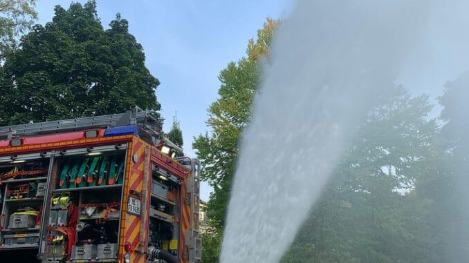 FW-Velbert: Bewässerung des Nevigeser Ententeiches zum Wohle der Tiere und Pflanzen