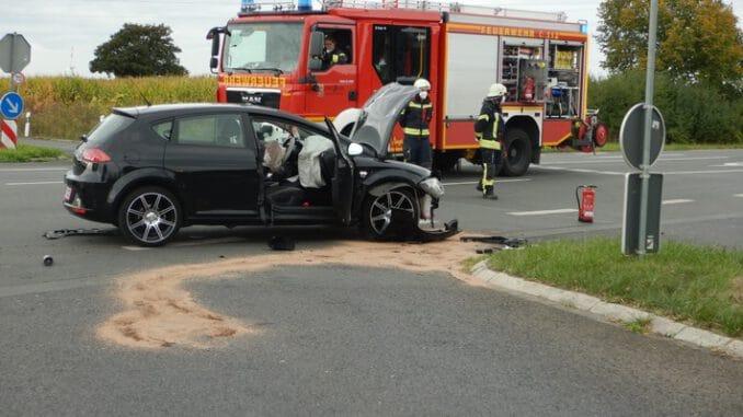 FW-WAF: Verkehrsunfall mit drei verletzten Personen