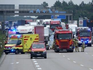 FW Dresden: Informationen zum Einsatzgeschehen der Feuerwehr Dresden vom 5. Oktober 2021