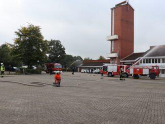 FFW Schiffdorf: Neue Feuerwehrleute für die Gemeinde Schiffdorf: 17 Kameradinnen und Kameraden bestehen ihre Truppmann-Ausbildung