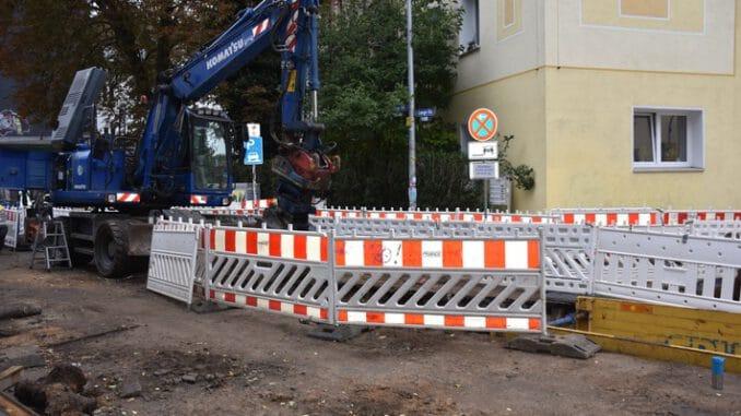 FW-DO: 14.10.2021 -Technische Hilfeleistung in Mitte-West Bagger beschädigt Gasleitung