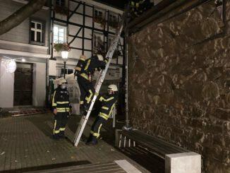 FW-EN: Brand in einem Gastronomiebetrieb in der Hattinger Altstadt