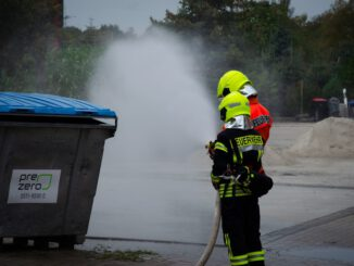 FW Flotwedel: 19 angehende Feuerwehrleute bestehen Truppmannprüfung