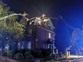 FW-GE: Dachstuhlbrand in Gelsenkirchen-Hassel