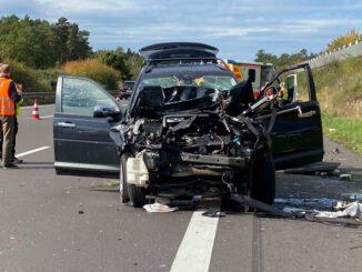 FW Helmstedt: Verkehrsunfall auf der BAB2.