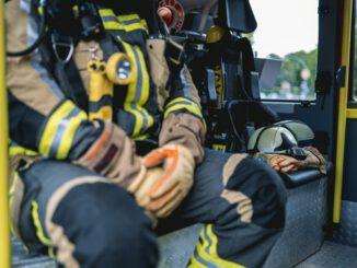 FW Hünxe: Unterstützung Rettungsdienst durch Tragehilfe