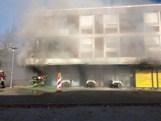 FW-NE: Brand in einem Restarant *Erstmeldung