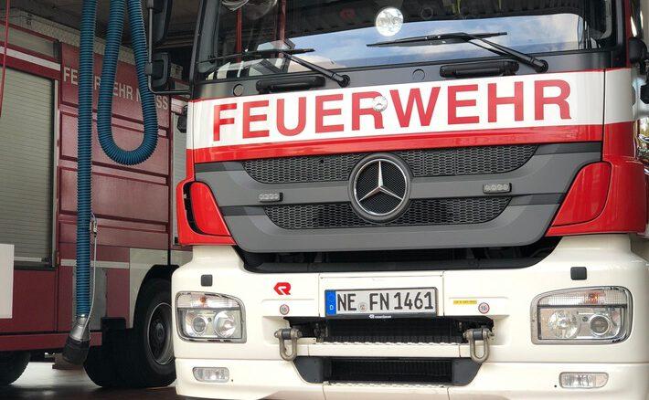 FW-NE: Verkehrsunfall auf der B9