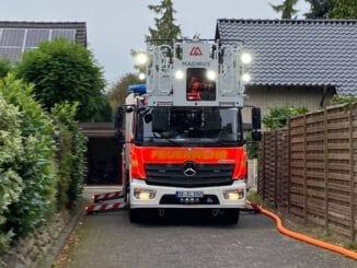 FW Norderstedt: Brand eines Geräteschuppens im Rugenbarg