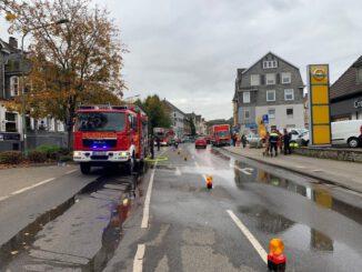 FW-Velbert: Weiterhin hohes Einsatzaufkommen - Brand einer Spülmaschine sorgt für größeren Feuerwehreinsatz